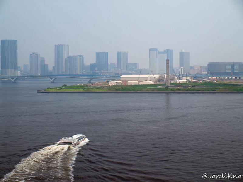 Vistas de la Bahía de Tokio desde el Puente Rainbow