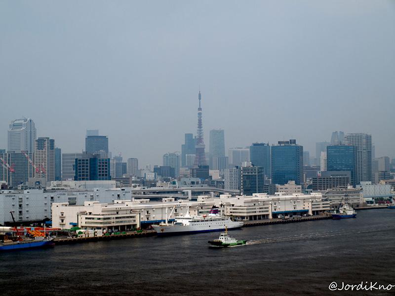 Torre de Tokio desde el Puente Rainbow