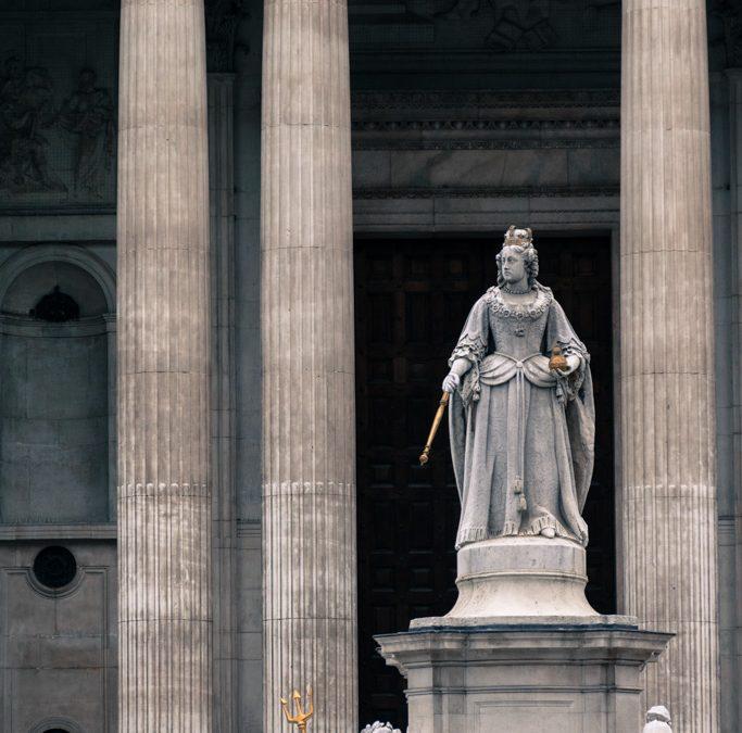 Estatua de la Reina Ana de Inglaterra, Catedral de San Pablo