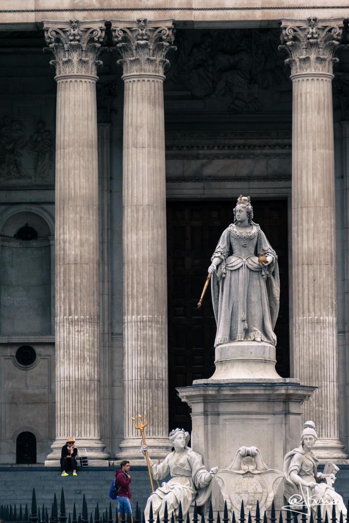 Estatua de la Reina Ana de Inglaterra